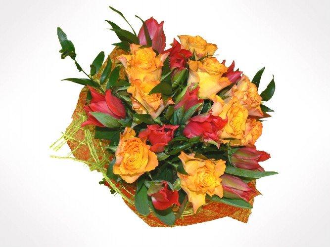 bukiet z róż i tulipanów na urodziny