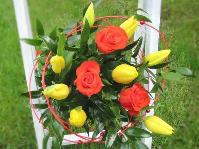 bukiet żółte tulipany i czerwone róże Czestochowa