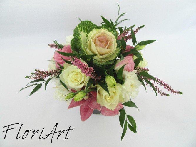 Flowerbox z kwiatów żywych ozdobna kapusta na Dzień Nauczyciela