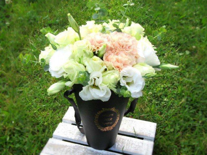 Flowerbox kwiaty na prezent zaręczyny Janów Częstochowa