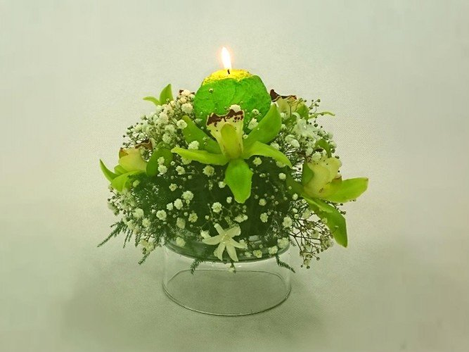 stroiki ze świecą na stoły I Komunia Święta