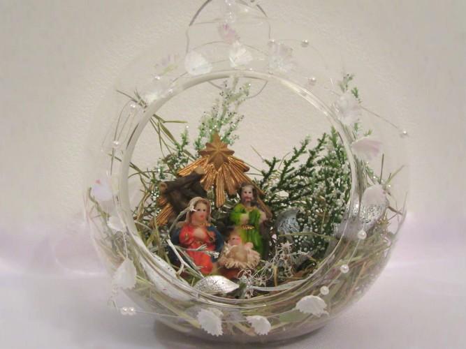 bombka szklana ze Świętą Rodziną