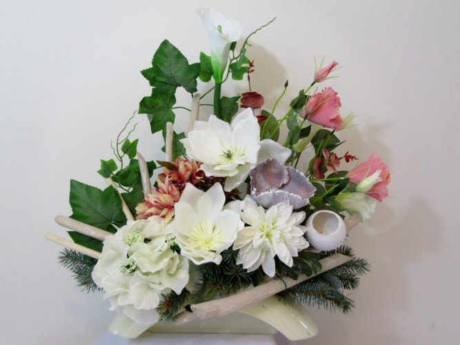 Kompozycja ze sztucznych kwiatów Olsztyn