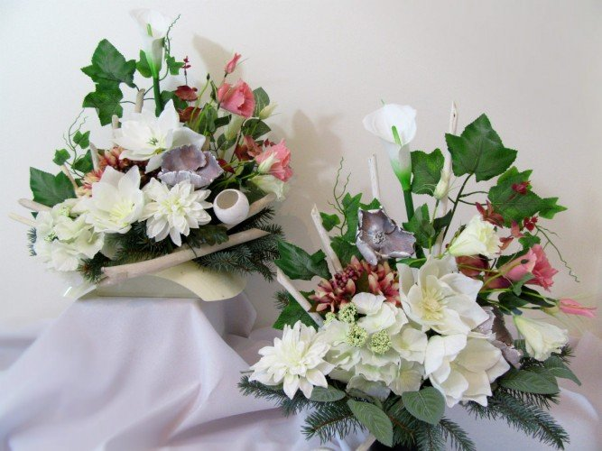 wiązanka i wazon na wszystkich świętych Janów