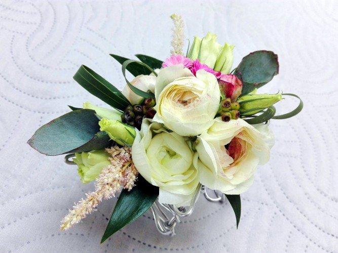 biżuteria z żywych kwiatów